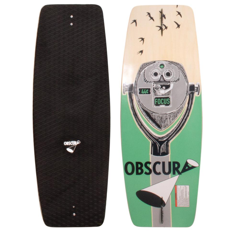 New FOCUSВейкскейты<br>Если вы новичок в вейкскейте или обладаете не очень большим бюджетом, Liquid Force Focus - лучший выбор. Ведь у него та же профессионально сконструированная 9-слойная деревянная база, что и у самых продвинутых досок в коллеции, сплошное покрытие из пены EVA, обеспечивающее комфорт для босых ног и скошенные боковые стенки, которые уменьшают объем и вес кантов, позволяя им врезаться в воду глубже, что создаёт дополнительную устойчивость, а также уменьшает вероятность зацепа, когда Вы хотите потренировать новый трюк. Но Вы не сможете прогрессировать, если не попробуете, так что захватите Focus и приступайте к делу!<br> <br> <br> Особенности:<br><br>Прогиб: трехступенчатый рокер для агрессивного катания. Плоская центральная часть добавляет скорости и контроля, увеличение маневренности и амплитуды вылетов<br><br>9-слойная деревянная конструкция деки<br><br>Полностью деревянный сердечник<br><br>Симметричный дизайн<br><br>Скошенные боковые стенки уменьшают объём и вес кантов, позволяя им врезаться в воду глубже, что создаёт дополнительную устойчивость, а также уменьшает вероятность зацепа<br><br>Одинарный конкейв<br><br>Шкурка из мягкой пены Eva<br><br>Два киля 1.0 Skate.<br><br>Сезон: SS17<br>Артикул: 67013<br>Цвет: 44<br>Пол: УНИ<br>Пол: Мужcкое, Женское<br>Размер: 44<br>Тип вещи: ВЕЙКСКЕЙТ