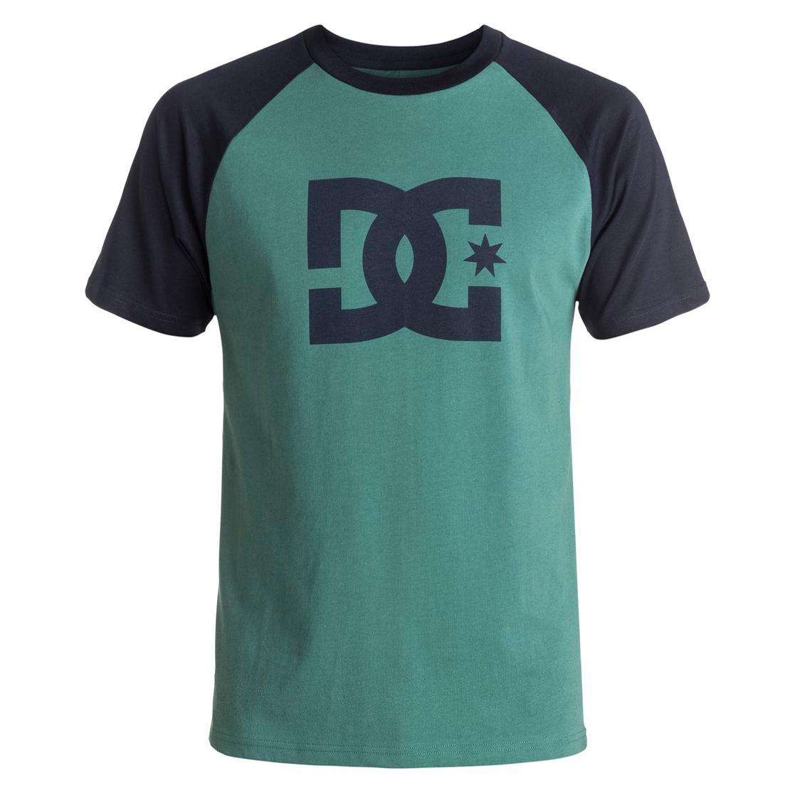 STAR RAGLAN SS M TEESФутболки и Поло<br>Очередной представитель серии Star от DC - с крупным лого на груди. В ней есть самые разные варианты одежды - от толстовок и курток до футболок. Эта может похвастать классическим дизайном, стандартным графическим принтом в виде логотипа, круглым вырезом и коротким рукавом. Иными словами, это самая что ни на есть классическая футболка на все случаи жизни.<br> <br> <br> Особенности:<br><br>Мужская футболка<br><br>Классический удобный дизайн<br><br>Графический принт нанесен по щадящей технологии окрашивания ткани<br><br>С круглым вырезом<br><br>С коротким рукавом<br><br>Трафаретная графика<br><br>Состав: 100% хлопок.<br><br>Сезон: SS17<br>Артикул: 66988<br>Цвет: SEA PINE/DARK INDIGO<br>Пол: МУЖ<br>Пол: Мужcкое<br>Размер: L<br>Тип вещи: ФУТБОЛКА
