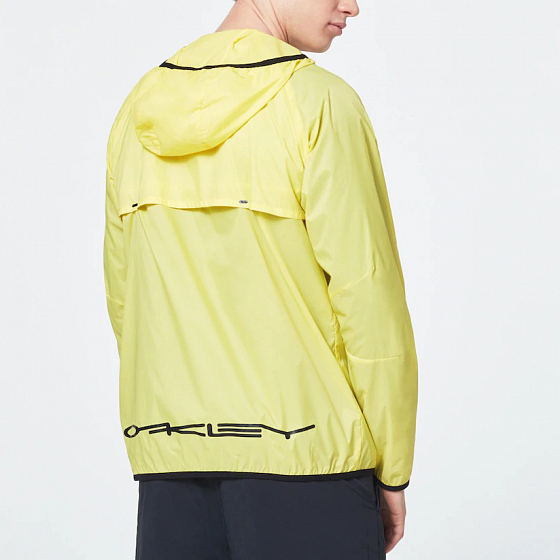ВЕТРОВКА Oakley STRETCH LOGO PATCH PACKABLE JACKET  SS20 от Oakley в интернет магазине www.traektoria.ru - 3 фото